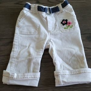 Old Navy off-white cuffed capris 18-24mos